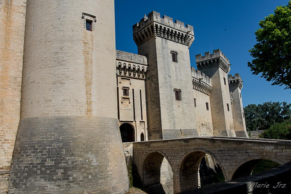 004 tarascon le chateau